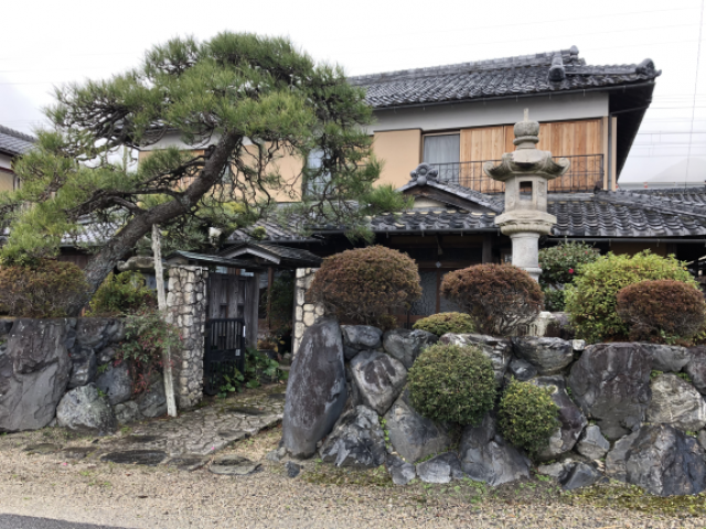 滋賀県大津市 琵琶湖湖畔沿い、スキー場車で10分、駅徒歩2分